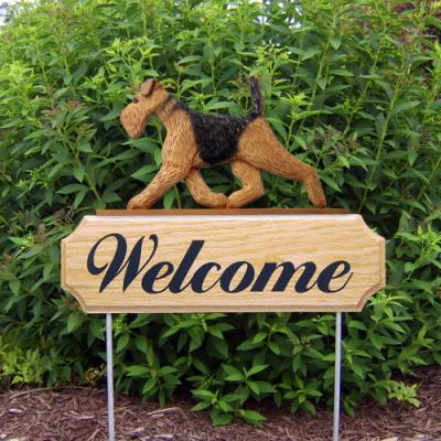 Airedale Terrier Welcome Stake
