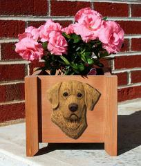 Chesapeake Bay Retriever Garden Planter